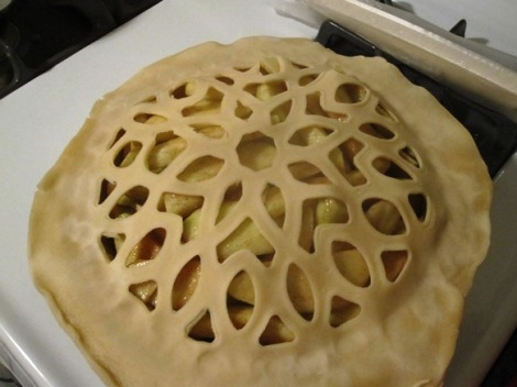 Uncooked Apple Pie with Fancy Crust